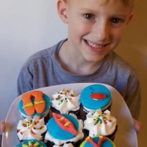 canoe themed cupcakes