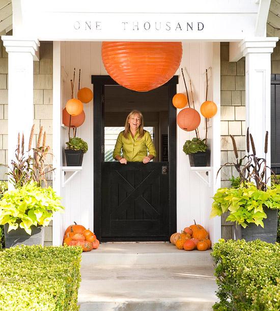 Fall Front Entrance: 22 Fall Front Porch Ideas {veranda}