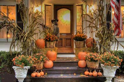 outdoor halloween decoratin - Fall House Decorations