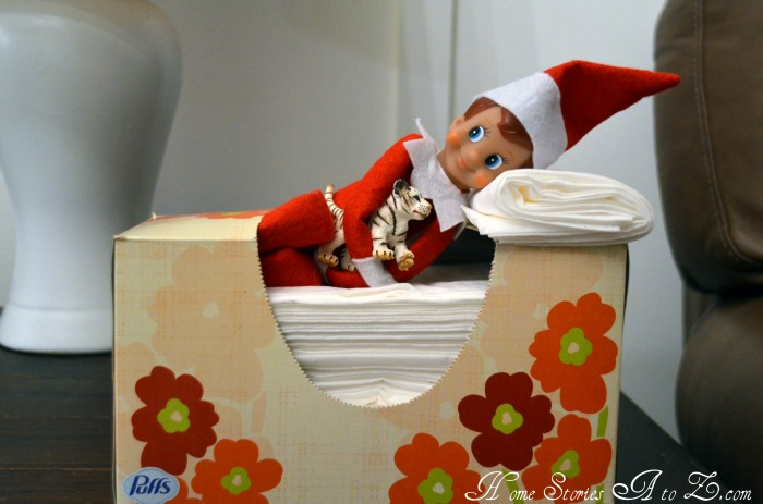 Tissue Box Bed Elf on the Shelf. Click for more ideas! #elfontheshelf