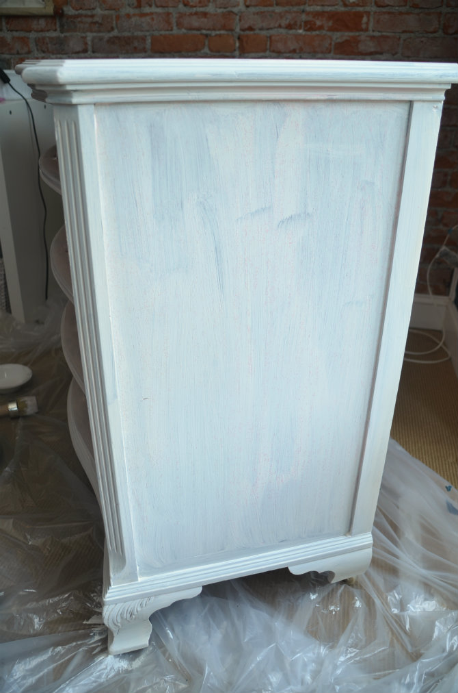 annie sloan chalk paint white
