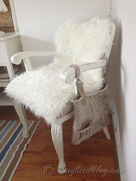 faux-sheep-fur-upholstering