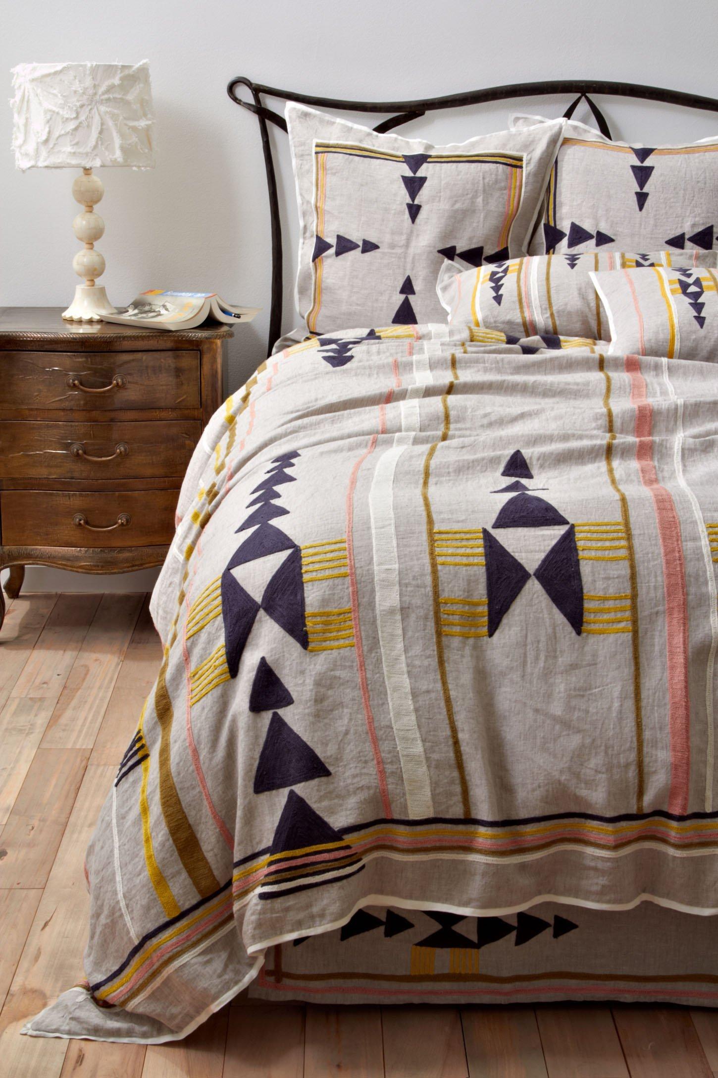 Anthropologie Bedroom: Trend Alert: Arrows In Home Decor