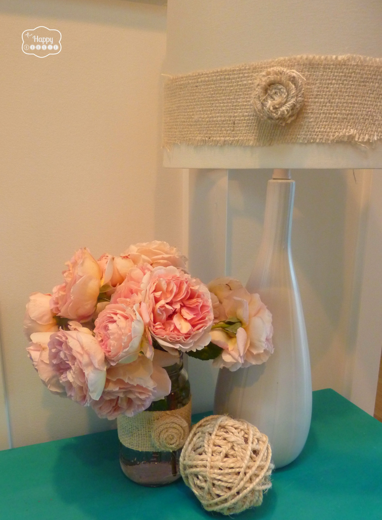 simple-summer-decorating-with-burlap-on-lamp-and-mason-jar-at-thehappyhousie