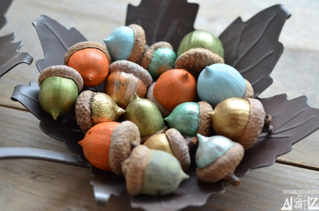 I love this idea for painted fall acorns! Just one of many amazing ideas for fall acorn DIYs!
