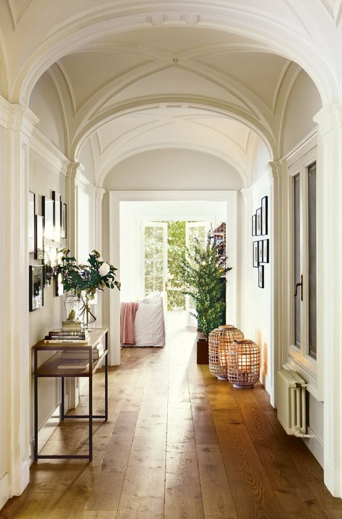 Hallway decorating ideas home stories a to z for Idea casa interior deco