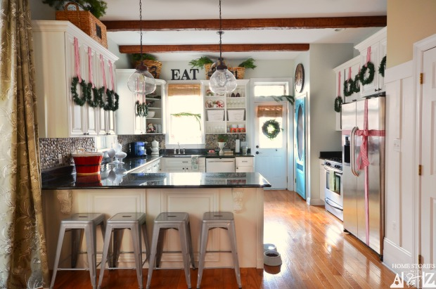 Christmas Red White Kitchen