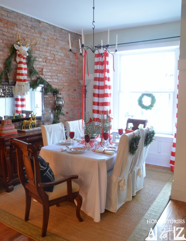red white christmas dining room