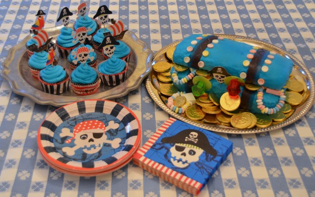 treasure chest cake pirate birthday