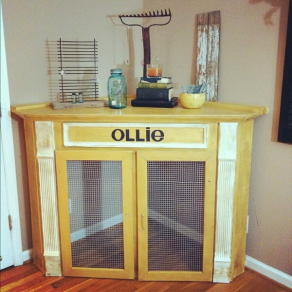dog crate corner mantel