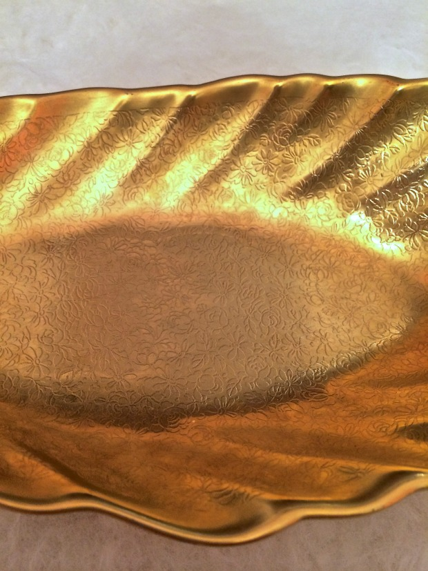 gold tray floral design