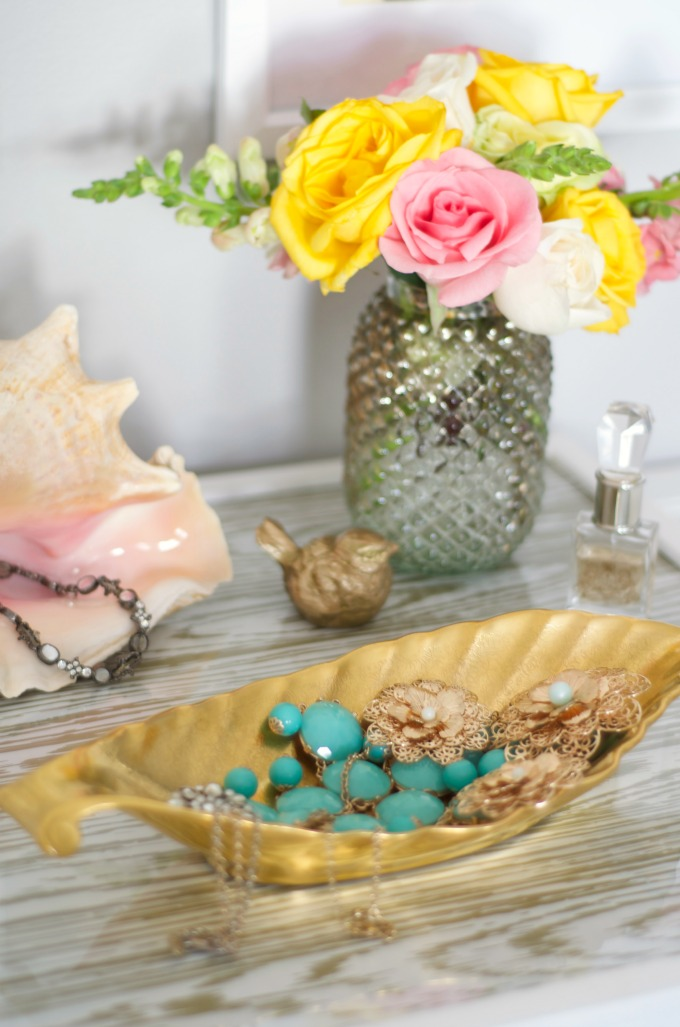 gold tray styling