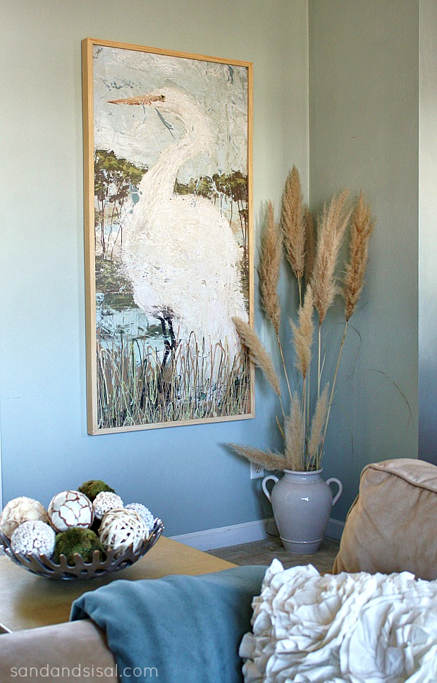 5-Ways-to-Fill-a-Blank-Wall-White-Heron-Glicee-