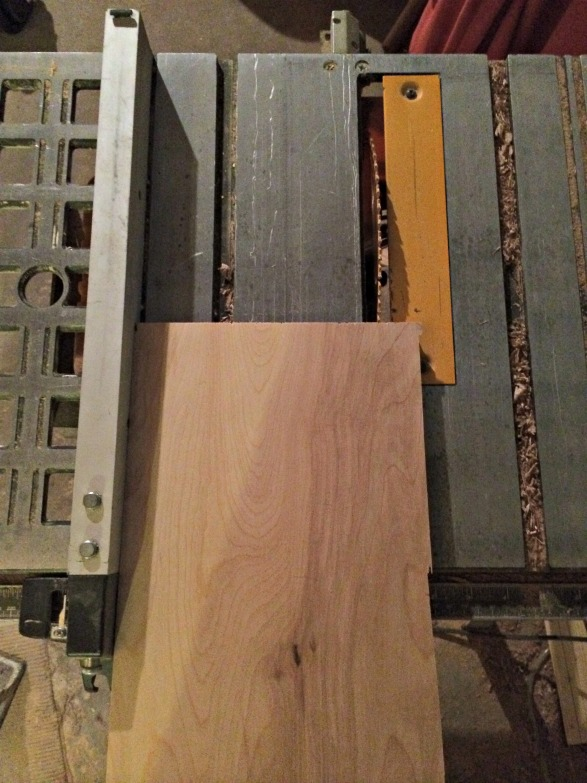 Use table saw to cut wood