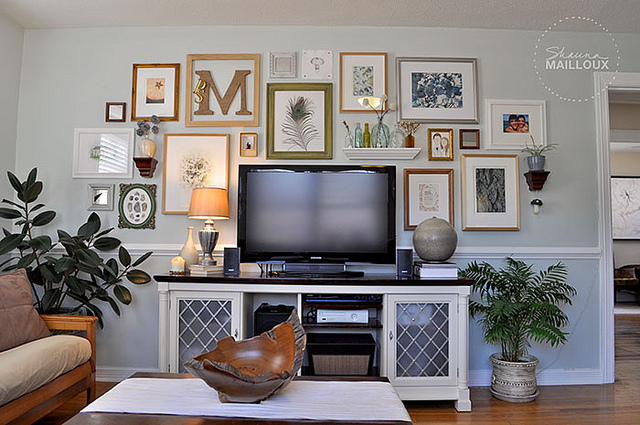 Wall Decor Behind Flat Screen Tv : Tips for decorating around a television home stories