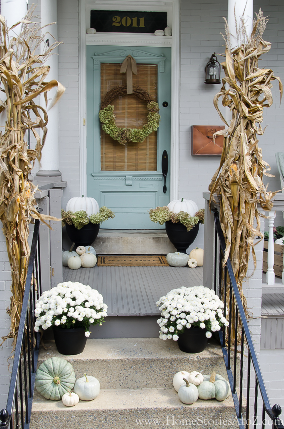 Fall porch decorating ideas home stories a to z Small front porch decorating ideas for fall