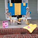 Halloween House Decorating Ideas: The Baxter Skeletons