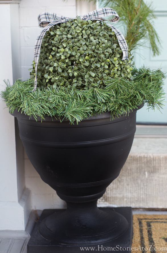 Easy Christmas urns front porch