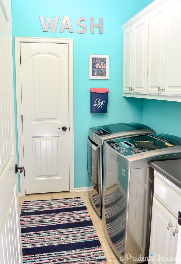 25 small laundry room ideas home stories a to z for Painting ideas for small laundry room