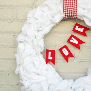 Valentine's loop wreath tutorial