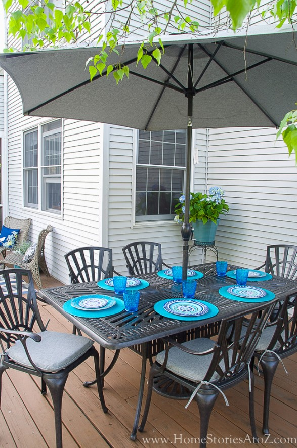 Outdoor dining_