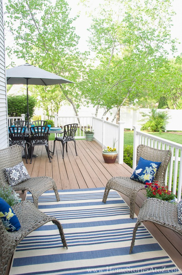 outdoor seating area-2