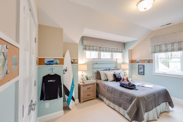 surfer bedroom