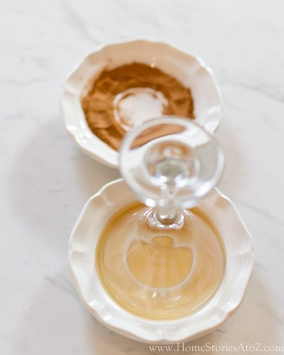 Caramel Apple Bourbon Cocktail_