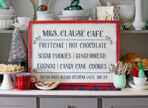 mrs-clause-cafe sign
