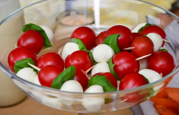 tomato-mozzarella-653838_1920