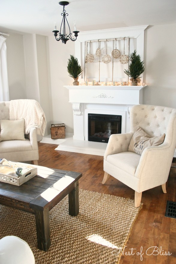 winter living room - Beautiful Mantel Christmas Decorations