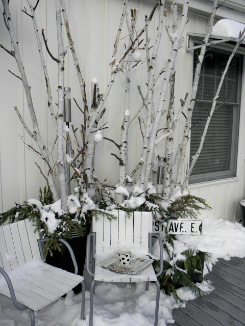 winter porch decorating idea