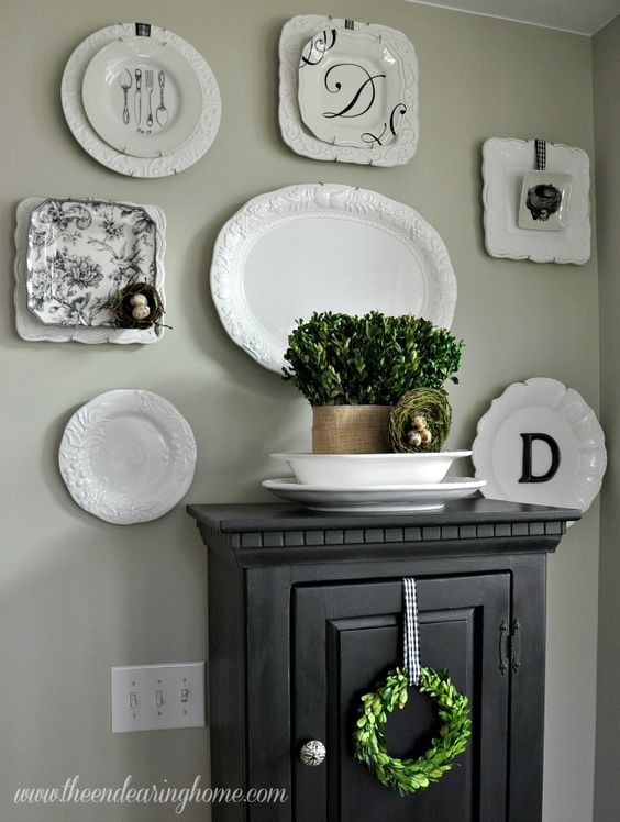 Plates On Wall In Dining Room Inspiration