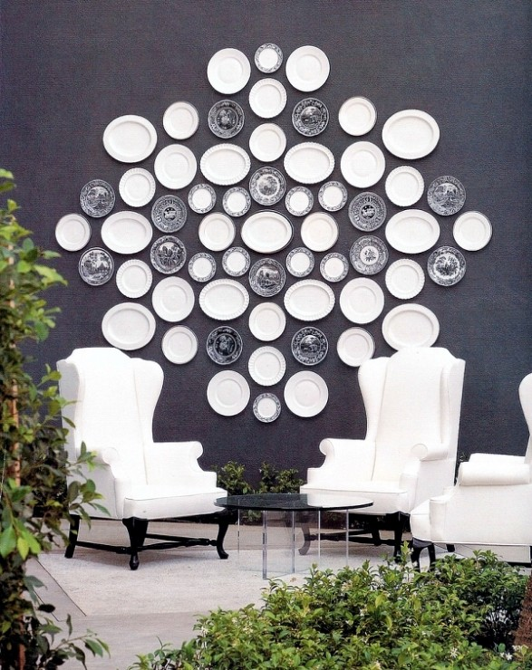 White plates on black wall. Kelly Wearstler Viceroy Hotel