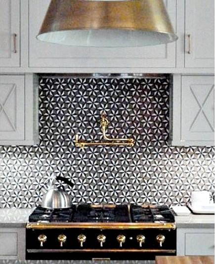patterned mosaic backsplash