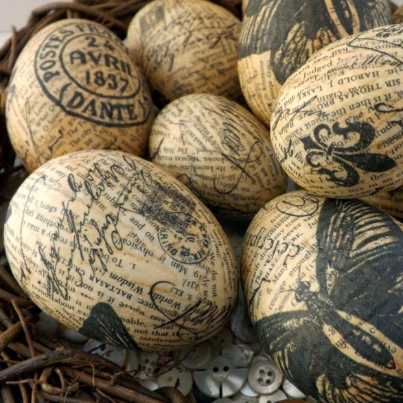 Decoupage napkin eggs