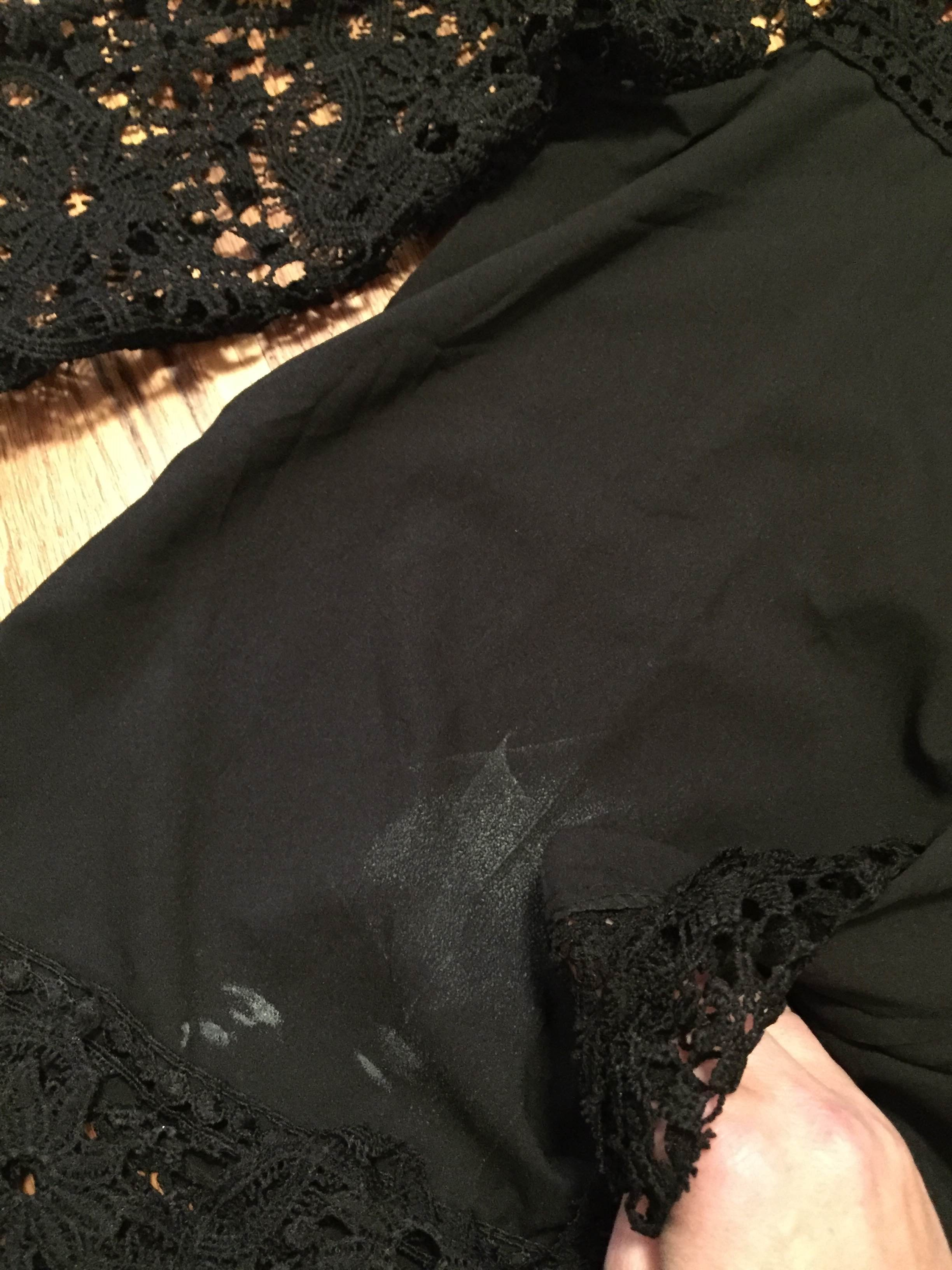Quick tip how to remove deodorant stains for Remove deodorant stains from black shirt