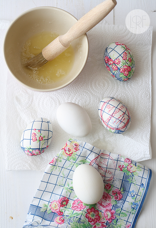 egg white decoupage easter eggs tutorial