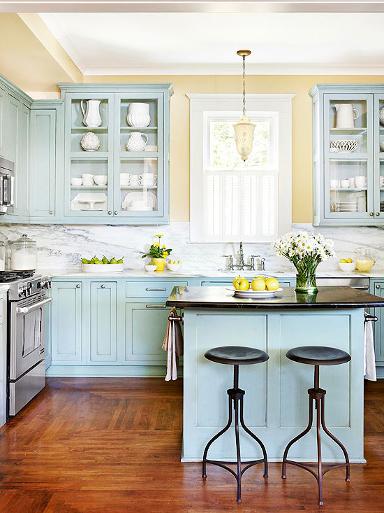 23 gorgeous blue kitchen cabinet ideas for Kitchen wall colors with white cabinets