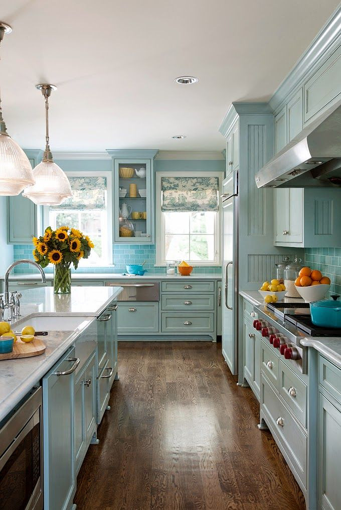 Blue kitchen cabinets 2017 for Blue kitchen paint colors