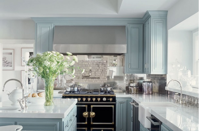 Jennifer Lopez Robinu0027s Egg Blue Kitchen Cabinets Idea
