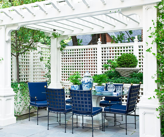 Formal Outdoor Setting