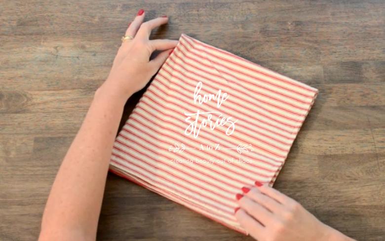 Tie napkin tutorial 1