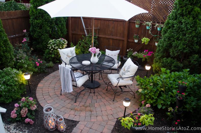 Urban Picnic Small Backyard Entertaining Tips 16