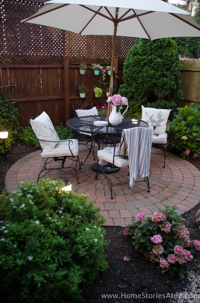 Urban Picnic Small Backyard Entertaining Tips 17