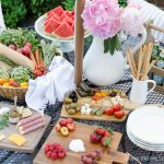 Urban Picnic: 8 Small Backyard Entertaining Tips