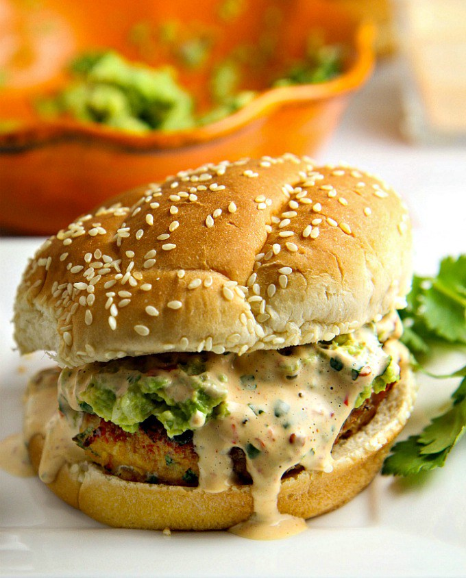 Avocado-Chicken-Burger-with-chipotle-mayo