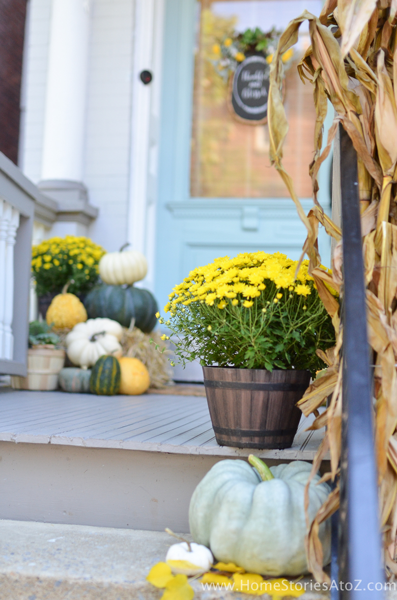 yellow-and-green-fall-porch-12