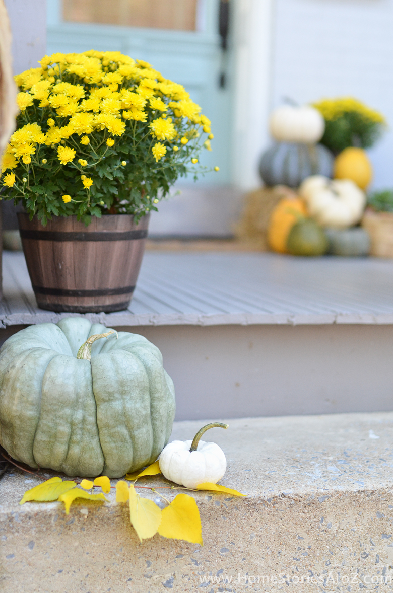 yellow-and-green-fall-porch-16