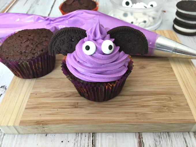 bat-cupcakes